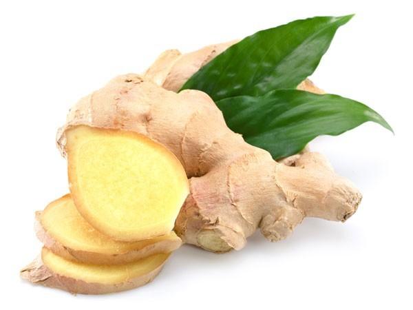 Gừng là một chất chống viêm tự nhiên, được dùng nhiều để điều trị bệnh tiêu hóa. Các món ăn kết hợp gia vị gừng sẽ giúp người bệnh trào ngược dạ dày thực quản giảm bớt triệu chứng và chống viêm cho thực quản cũng như hạn chế vết viêm loét dạ dày.
