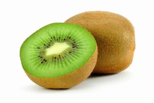 Kiwi cho kali, chất xơ và vitamin C, đồng thời chứa tinh bột thấp cần thiết cho bệnh nhân tiểu đường giúp hạ đường huyết trong máu.