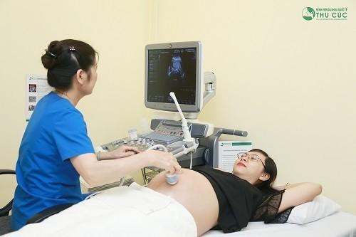 Chậm kinh bao nhiêu tuần có tim thai và thai vào tử cung?