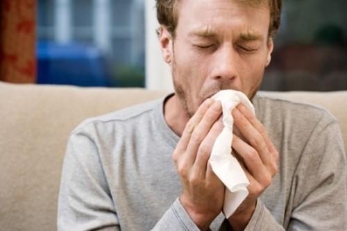 Ho ra máu cảnh báo nhiều bệnh lý nguy hiểm như lao phổi, giãn phế quản