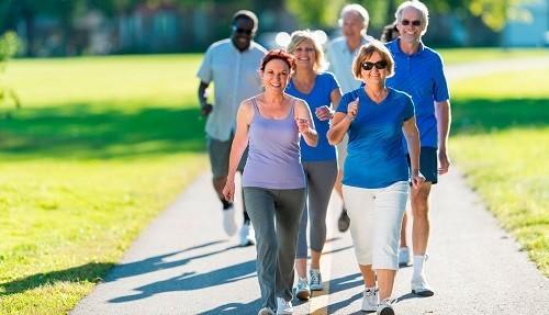 Các hình thức thể dục tác động nhiều tới khớp gối như chạy bộ, nhảy cao... có thể ảnh hưởng xấu tới khớp gối nhân tạo vừa thay thế.