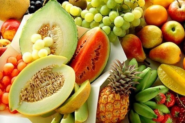 Chế độ dinh dưỡng khoa học, nhiều hoa  quả,... tốt cho người suy thận