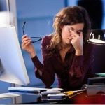 Phòng triệu chứng khô mắt cho dân văn phòng