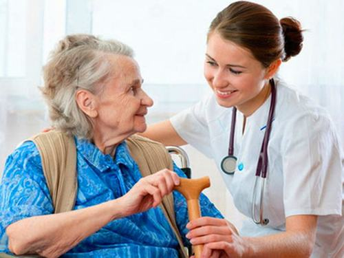 Bạn nên đến cơ sở chuyên khoa để được thăm khám và điều trị khi mắc bệnh Parkinson