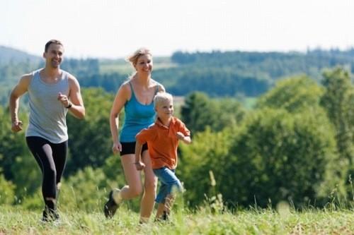 Tập thể dục có thể giảm căng thẳng vì làm giảm mức cortisol