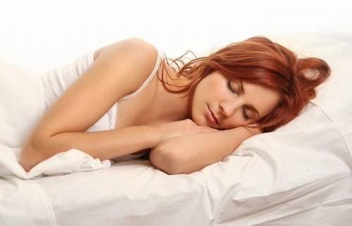 Chảy máu âm đạo số lượng lớn, đi kèm có các cục máu đông, mệt mỏi, đau bụng, sốt cao có thể là dấu hiệu dọa sẩy thai