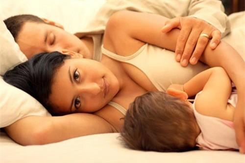 Phụ nữ sau sinh bao lâu thì quan hệ được?