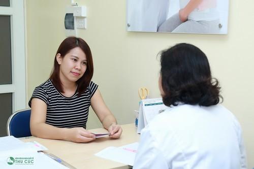 Chị em nên tới các sơ sở y tế uy tín để bác sỹ tư vấn và thăm khám kịp thời
