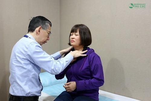 Bệnh viện Thu Cúc có hợp tác chuyên môn với các bác sĩ giỏi đến từ Singapore giúp tư vấn điều trị ung thư tuyến giáp hiệu quả