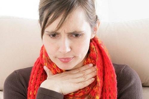 Khàn tiếng, khó nuốt... là những dấu hiệu ung thư vòm họng giai đoạn đầu