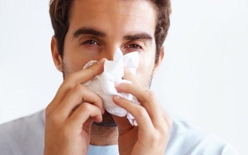 ng thư vòm họng ở giai đoạn đầu có những triệu chứng nghẹt mũi, viêm họng