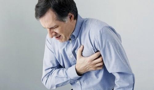 Đau ngực có thể là triệu chứng hở van tim
