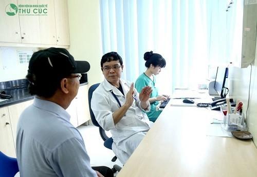 Trình độ chuyên môn và sự tận tình của bác sĩ khiến người bệnh điều trị suy giảm nhận thức nhẹ tại Thu Cúc rất an tâm.