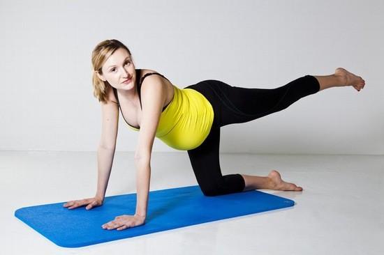 Thực hiện những bài tập luyện vận động nhẹ nhàng vừa sức