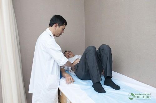 Khi thăm khám phát hiện sớm ung thư đại tràng, bác sĩ sẽ đưa ra phương pháp điều trị phù hợp (ảnh minh họa)