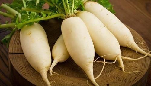 Củ cải cũng là một loại thực phẩm giúp tăng cường lượng hồng cầu trong máu.