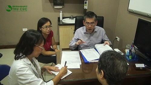 Trong trường hợp nghi ngờ mắc ung thư tuyến giáp, người bệnh sẽ được tư vấn điều trị trực tiếp với bác sĩ giỏi đến từ Singapore