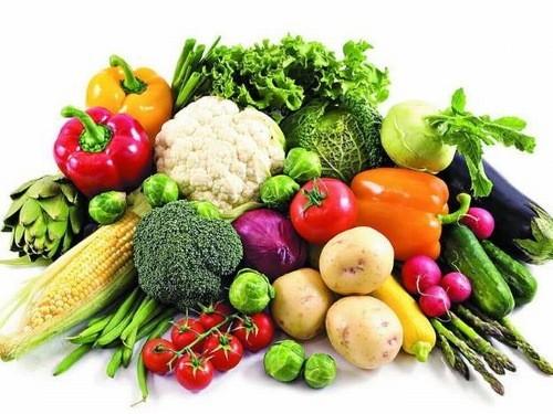 Người bệnh ung thư phổi nên bổ sung đầy đủ các vitamin và khoáng chất cần thiết qua các thực phẩm như rau củ quả hàng ngày