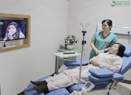 Điều trị tại bệnh viện Thu Cúc, khách hàng được chăm sóc chu đáo