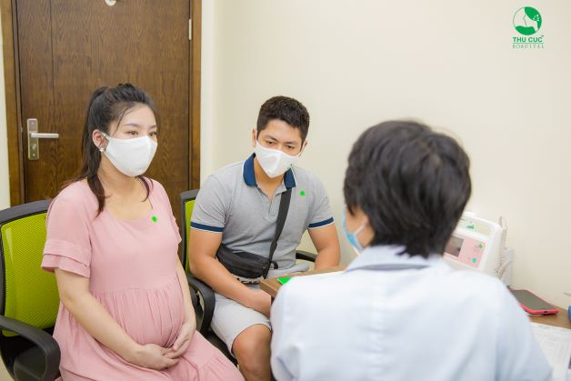 Nếu bị ngứa đầu nhũ hoa khi mang thai kèm những hiện tượng bất thường, chị em có thể tới bệnh viện thăm khám để có hướng xử trí phù hợp