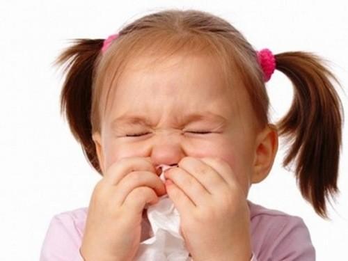 Nghẹt mũi khiến trẻ khó chịu