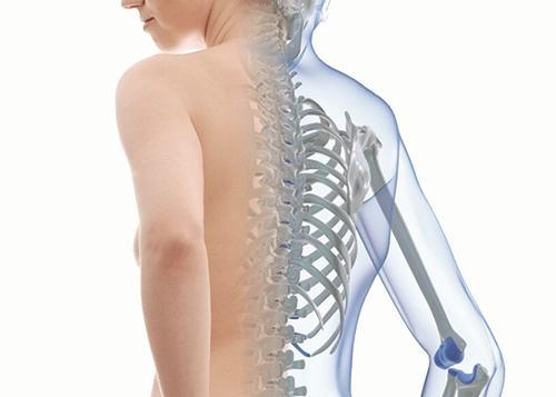 Không chỉ xảy ra ở người lớn tuổi mà ngay cả người trẻ cũng có thể bị loãng xương ảnh hưởng đến chức năng xương khớp.