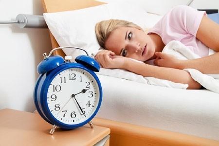 Rối loạn giấc ngủ là một bệnh lý nội thần kinh, ảnh hưởng xấu đến sức khỏe cũng như sinh hoạt thường ngày của người bệnh.