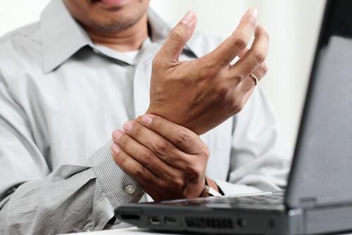 Hội chứng ống cổ tay xảy ra khá phổ biến, gây nhiều cản trở cho sinh hoạt, công việc thường ngày của người bệnh.