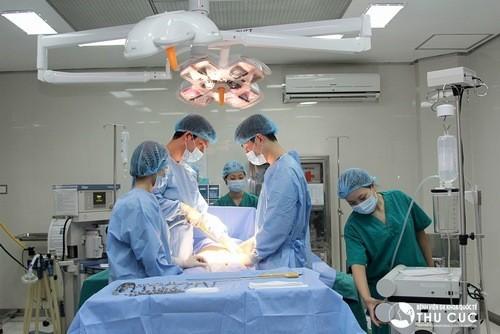 Phẫu thuật lấy sỏi tiết niệu hiệu quả, an toàn tại bệnh viện Thu Cúc