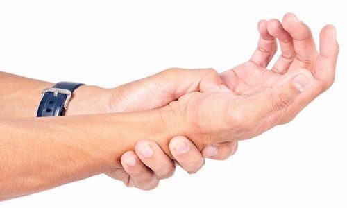 Viêm gân gấp, gân duỗi ảnh hưởng đến khả năng co duỗi của ngón tay cũng như khả năng vận động của người bệnh.
