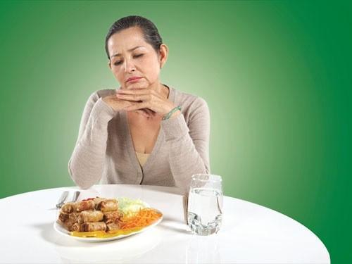 Người bệnh cảm thấy mệt mỏi, chán ăn