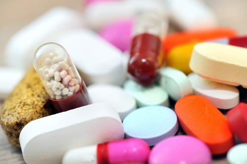 Người bệnh được chỉ định thuốc uống để cải thiện bệnh