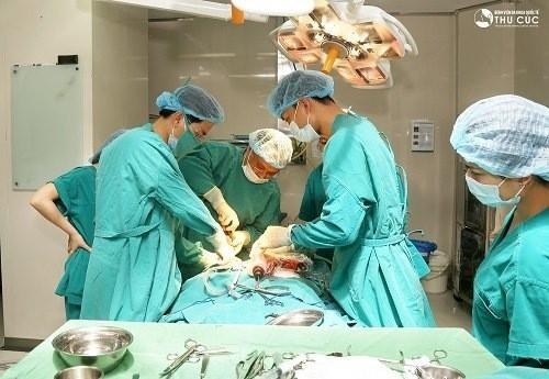 Phẫu thuật u tế bào khổng lồ tại Bệnh viện Thu Cúc