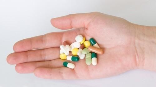 Người bệnh cần uống thuốc theo chỉ định của bác sĩ chuyên khoa