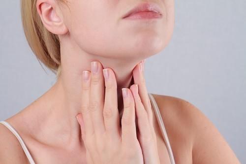 Có nhiều nguyên nhân dẫn đến u nang tuyến giáp