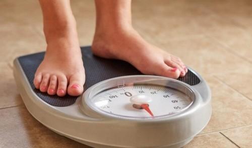 Cần duy trì cân nặng hợp lý và từ bỏ thói quen xấu sẽ giúp bạn phòng tránh nguy cơ mắc ung thư thận