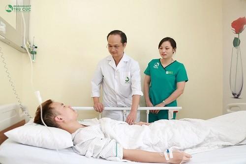 phẫu thuật rò hậu môn