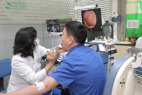 Bệnh viện Thu Cúc có đội ngũ bác sĩ giỏi cùng với trang thiết bị y tế hiện đại sẽ giúp phát hiện sớm ung thư vòm họng