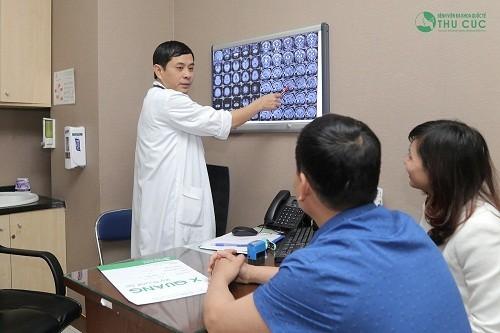 Người bệnh cần đi khám để chẩn đoán chính xác tình trạng bệnh và giai đoạn cụ thể để có biện pháp chữa trị phù hợp