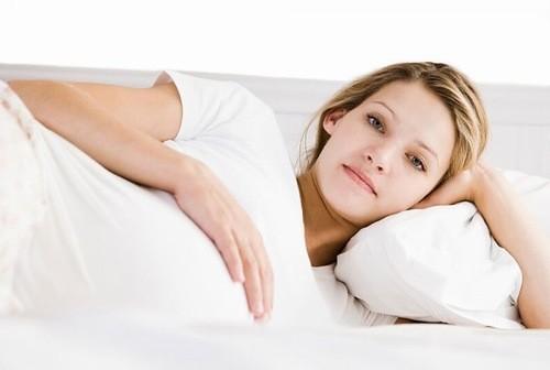 Viêm lộ tuyến có ảnh hưởng đến thai nhi không là băn khoăn của nhiều người.