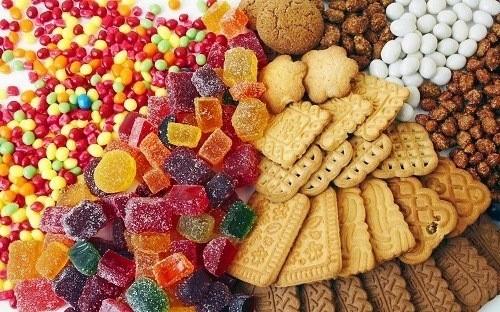 Viêm tuyến nước bọt nên hạn chế thực phẩm chứa nhiều đường