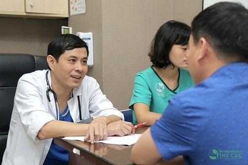 Người bệnh cần đi khám để được bác sĩ tư vấn các xét nghiệm cụ thể nhằm chẩn đoán đúng bệnh