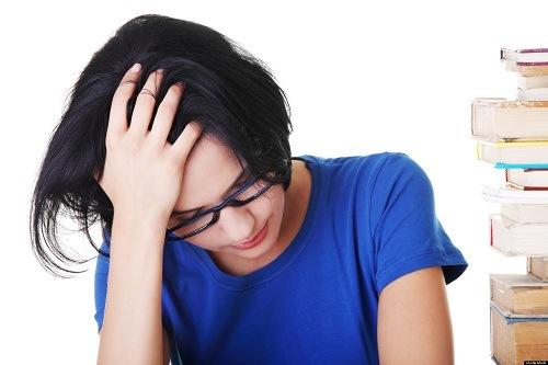 Khí hư màu xanh là một dấu hiệu bất thường của sức khỏe vùng kín chị em.