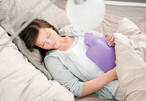 Viêm nhiễm phụ khoa hoặc các bệnh lây qua đường tình dục cũng có thể là nguyên nhân khiến kinh nguyệt bất thường.