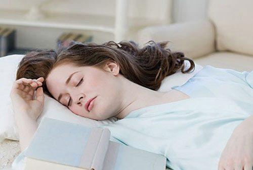 Ngủ trưa đúng cách rất cần thiết cho cơ thể