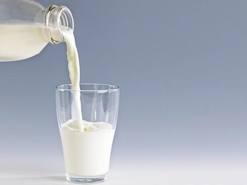 Sữa cung cấp nhiều canxi cho trẻ