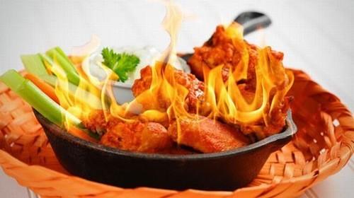 Người bệnh đau dạ dày cần kiêng những thực phẩm cay nóng