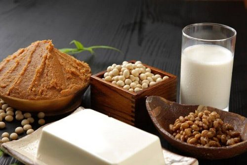Ăn các loại thực phẩm tăng cường estrogen cho cơ thể.