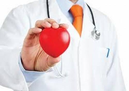 Đau ngực, khó thở, ngất là những triệu chứng cảnh báo tim gặp nguy hiểm