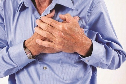 Đau ngực có thể do bệnh lao gây nên